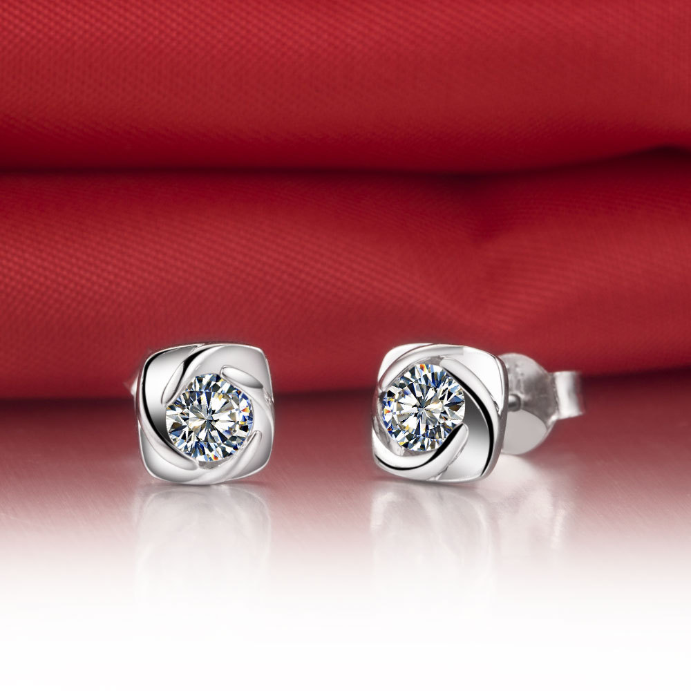 Pleasant 0.3Ct/piece Moissanite Tested Positive Earrings Stud Solid 18K White Gold Engagement Anniversary White Gold 18K Jewelry(China (Mainland))