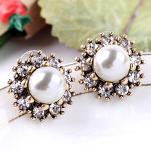 Fashion New Design Vintage Jewelry OL Pearl Flower Stud Earrings For Woman Christmas Gift(China (Mainland))