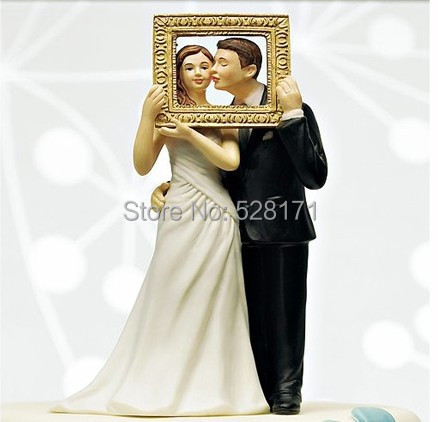 Free Shipping Unique Design Hand Painted Wedding Porcelain Picture Perfect Couple Figurine- Resin Wedding Cake Topper(China (Mainland))