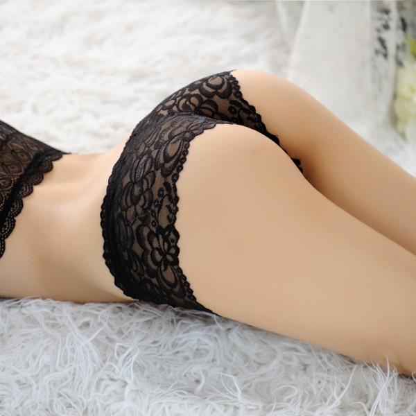 секс в кружевных трусах: