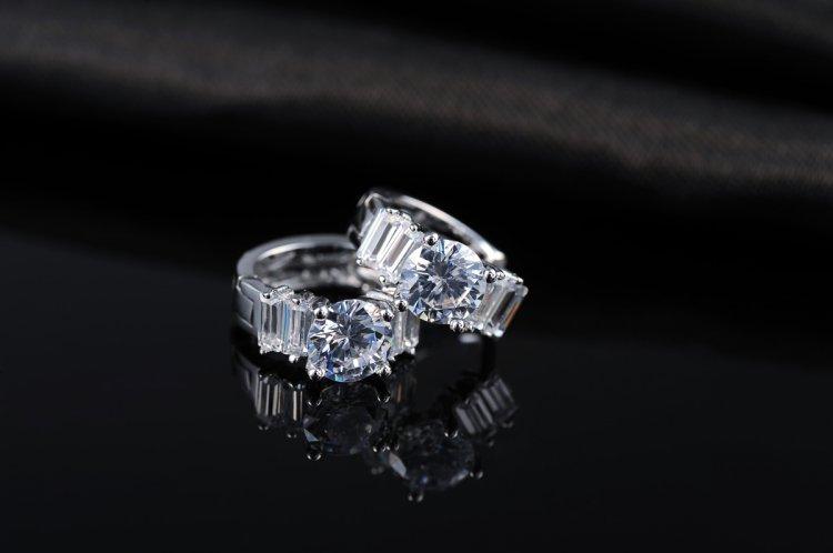 Hot 2015 14k Gold plated earrings Platinum insets stud brincos Elegant ROXE540(China (Mainland))