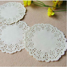 """Free Shipping Romantic Embossed Round Paper doily Cake Doilies 5.5"""" wedding party decoration gift packing 100pcs/pack(China (Mainland))"""