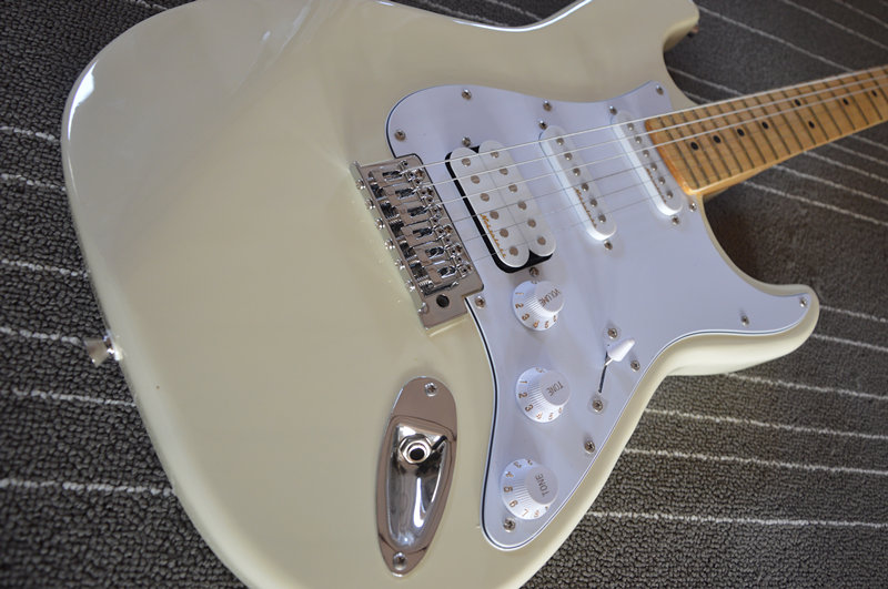 Factory store milk yellow stratocaster electric guitar custom guitarra sales EMS free shipping(China (Mainland))