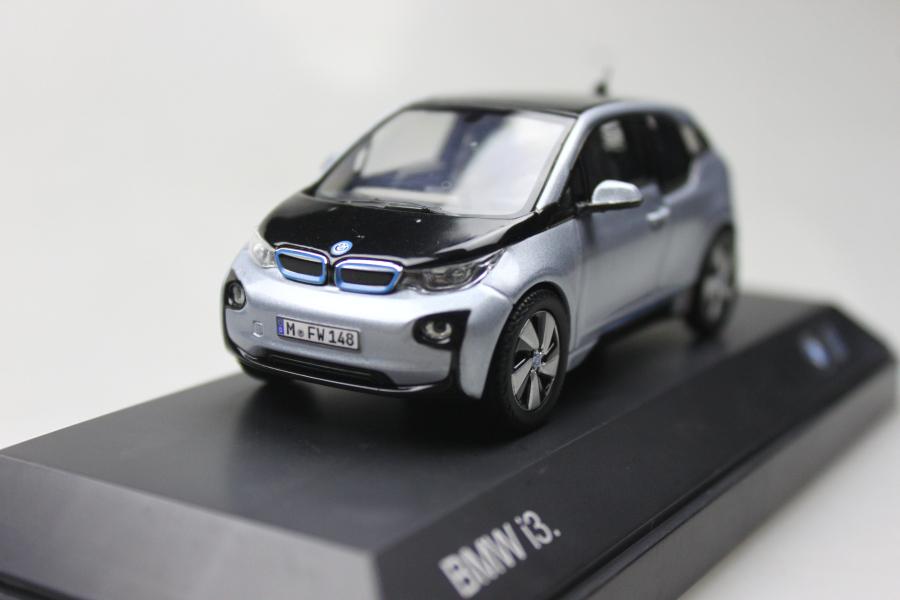 Original 1:43 i3 electric car environmentally friendly small cars alloy car model blue workmanship(China (Mainland))