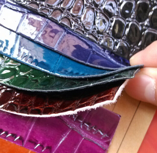Hot fashion synthetic leather fabric PU bright surface crocodile faux leather for handbag design(China (Mainland))