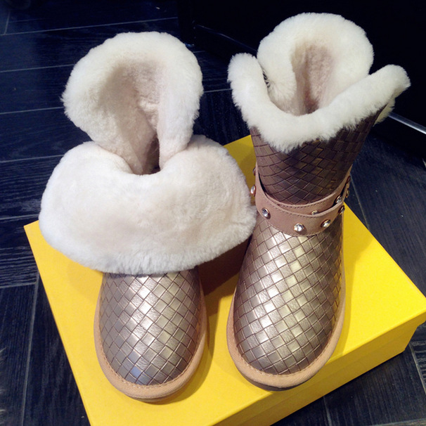 Фотография Sequined Sheepskin Wool Fur Snow Boots For Women Thick Velvet Warm Flat Skid Female Shoes Fashion Ankle Super Large Size 43