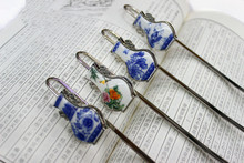 The characteristics of small gift blue and white porcelain vase bookmarks Metal bookmark(China (Mainland))