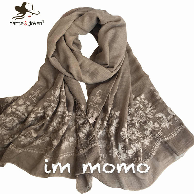 [Marte&Joven] New Vintga Floral Embroidery Scarf and Wrap for Women Ethnic Style 200*95 cm Oversized Casual Beach Flower Shawl(China (Mainland))