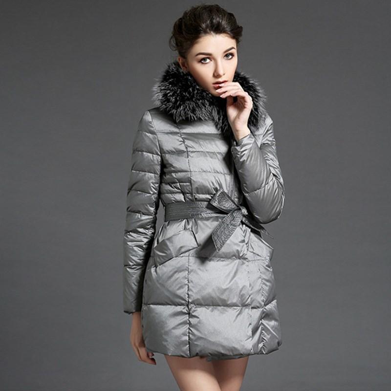 2015 корейский зима Новый тонкий утка вниз пальто пояса длинный жакет реальный Енот меховой воротник Надьмарош куртка manteau фам дя-1112