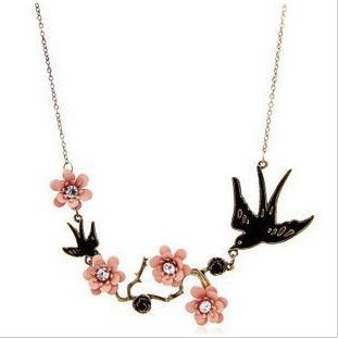 RN 094 Vintage Jewelry For Women Carved Flowers Swallow Acrylic Necklace