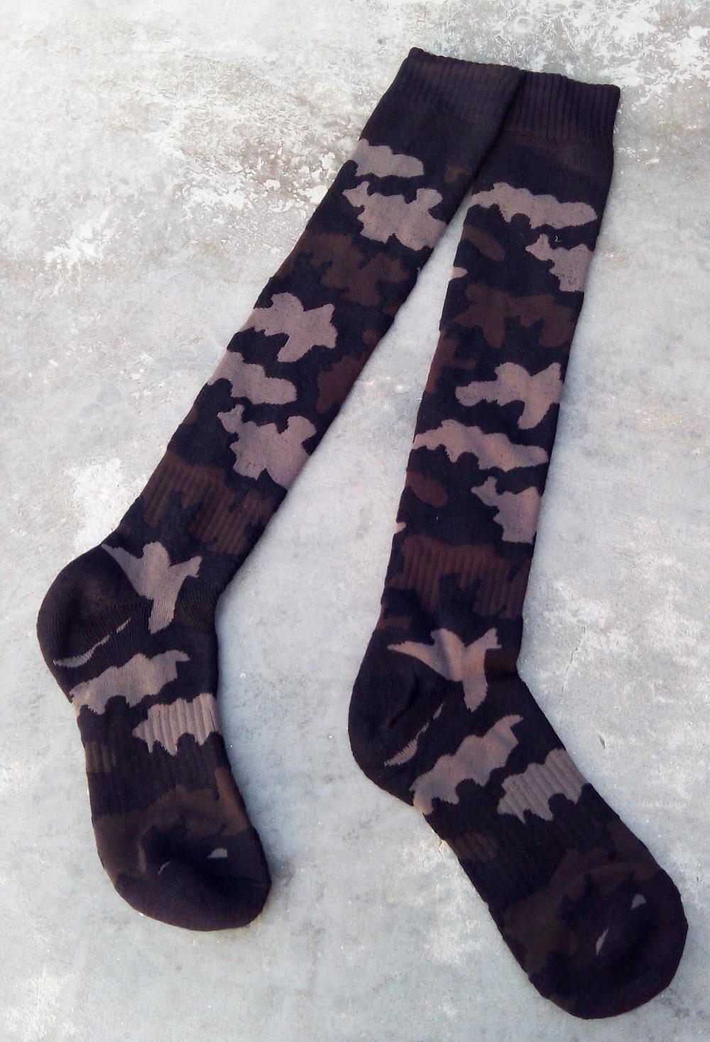 New camo knee high long basketball Knitting towel bottom ski socks outdoor skateboard men's sport socks cheap wholesale 367w(China (Mainland))