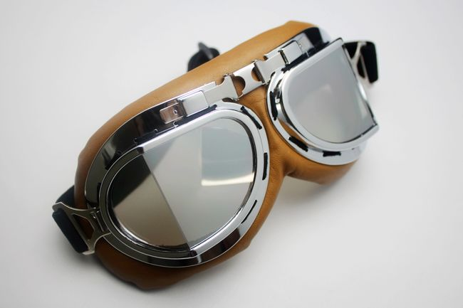 Unisex Steampunk Motorcycle Scooter ATV Goggle Eyewear T08y silver Lens Size: 18cm,9cm Silver frame, yellow skin(China (Mainland))