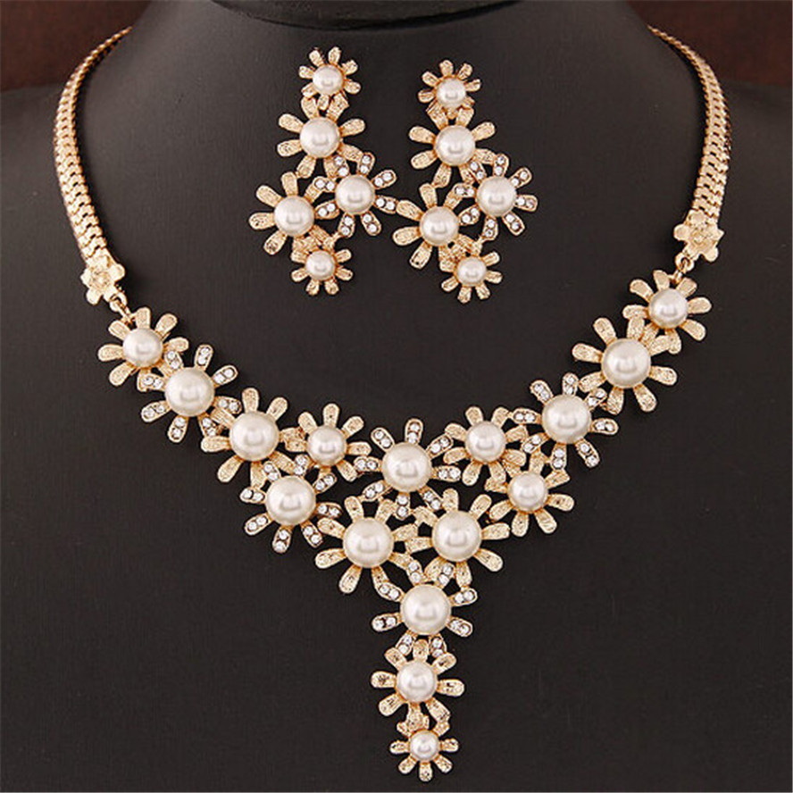 We are one of the largest wholesale jewelry & accessories suppliers on the Internet.. We have thousands of items to choose from and carry just about all your wholesale jewelry needs. We carry a wide variety of wholesale jewelry items such as necklaces, bracelets, teen accessories, hair accessories, sunglasses, scarves, rings, reading glasses and more.