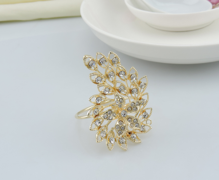 100pcs lot New flowers atmospheric diamond napkin ring wedding napkin ring napkin buckle alloy plating