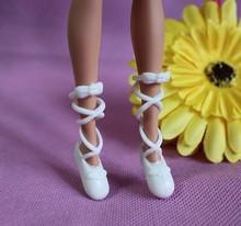 20 par/lote colores mezclados moda muñecas zapatos de Ballet hermosos para 1/6 de la muchacha muñecas de tacón alto tipo Bind zapatos de punta envío gratis