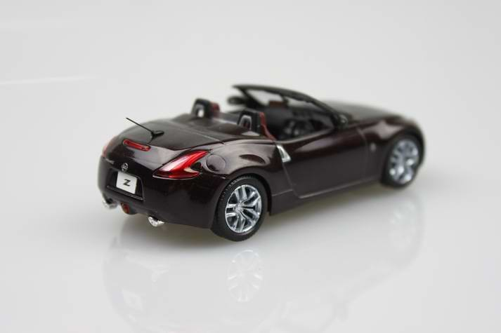 Kyosho 1:43 NISSAN FAIRLADY Z ROADSTER (Z34) no antenna alloy mannequin automobile toy present assortment