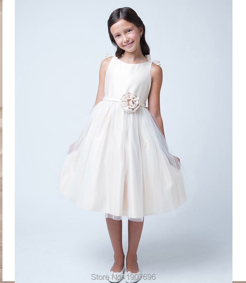 Holy Ivory Tulle Tea Length First Communion Flower Girl Dresses 2016 with Flower Scoop Neckline Ruched Satin Party Gowns(China (Mainland))