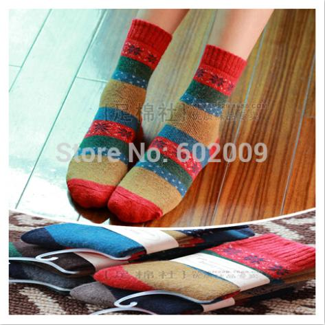 10pairs=1 lot vintage winter keep warm top quality mid tube thick rabbit fur snow pattern women socks MF6998666(China (Mainland))