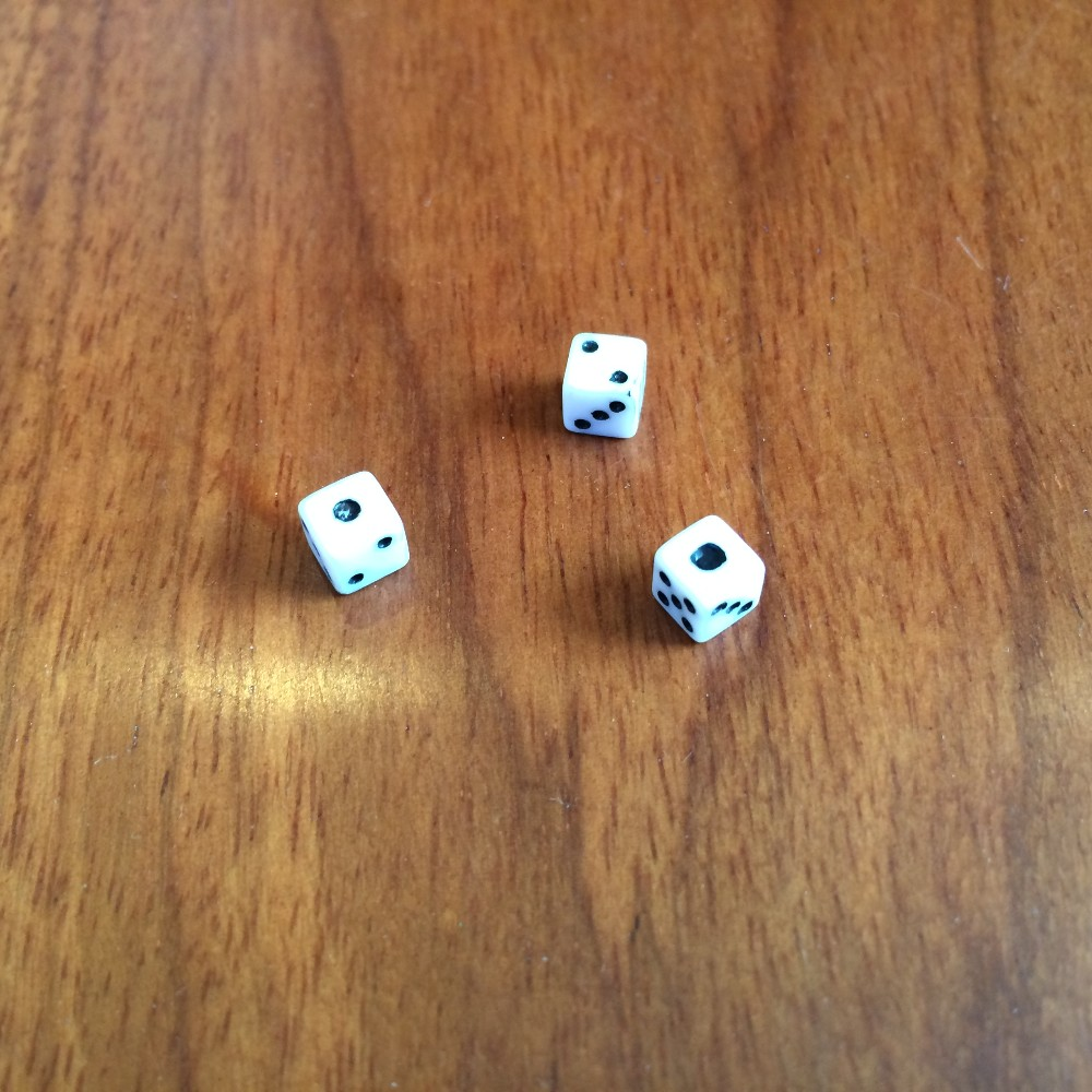 5MM white plastic dice The smallest dice in the world Ultra small 5# dice White background with black spots