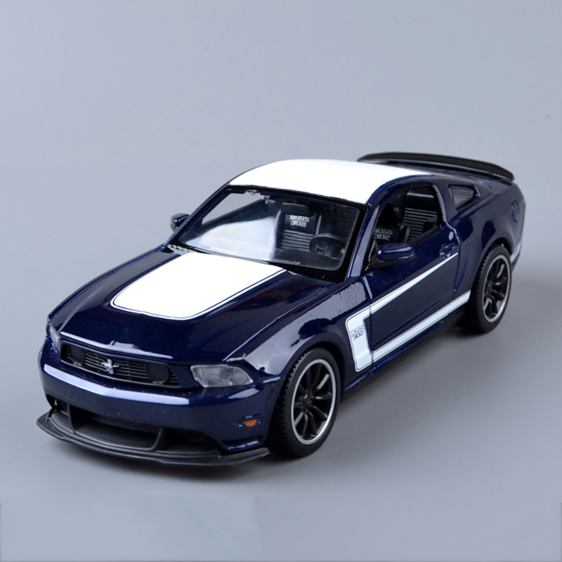 Diecast Car model Mustang BOSS 302 Blue 1:24 Alloy Car model Toy Vehicle Car Model Alloy Model Toys KidsToys Kids Gift(China (Mainland))