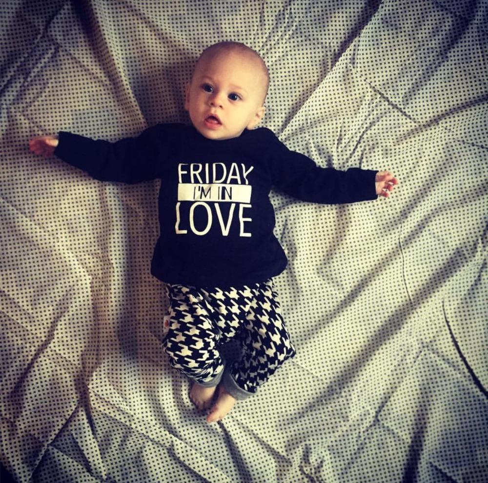 2017 Hot Selling Fashion baby clothing set Long sleeved