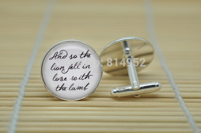 1pairs Twilight jewelry Cufflinks Edward Cullen Quote Cufflinks in Silver glass Cabochon Cuff links C0109(China (Mainland))