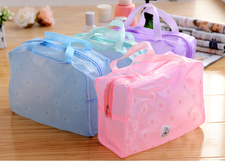 2015 New Arrival Cute Women Travel Makeup Bag 3 Color Flower Printed Women Cosmetic Bags Free Shipping(China (Mainland))