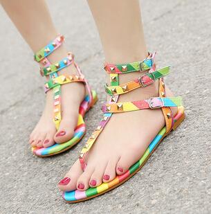 New Arrival Black +Rainbow Color Flat Heel Gladiator Bohemia Shoes Flat Brand Designer Sandals Flip-Fops Summer Flat Shoes