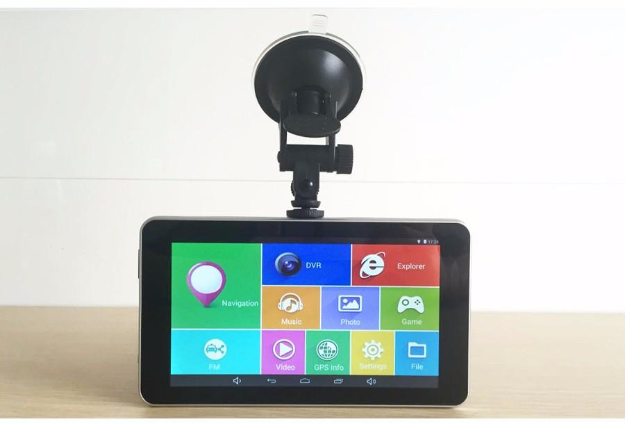 видеорегистратор с GPS-навигацией фото
