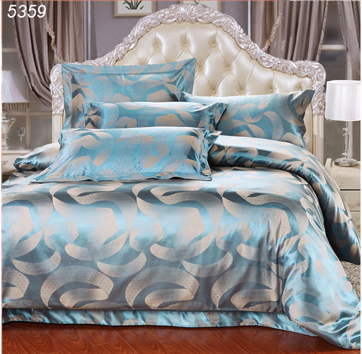 royal luxury blue 4pcs silk satin jacquard bedroom bedclothes comforter duvet cover bed set. Black Bedroom Furniture Sets. Home Design Ideas