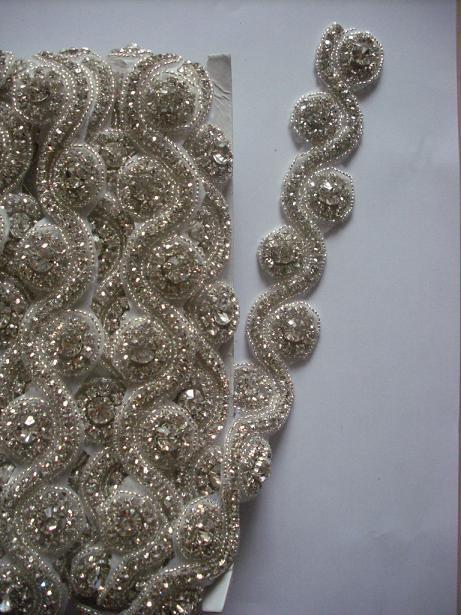 Rhinestone for fashion Wedding decoration Bridal beaded trims Crystal Applique for wedding dresses tiara rhinestone evening gown(China (Mainland))
