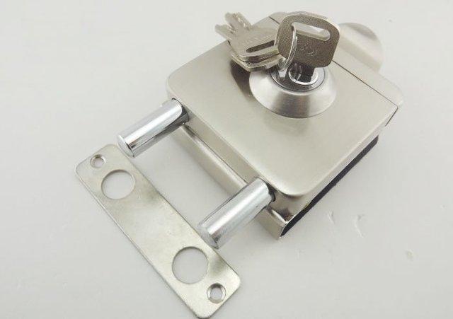 Folder Lock central glass door frameless door locks (3 Computer Keys)