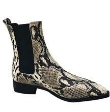 2018 Yeni Yılan deri inek deri kısa çizmeler sivri burun pist tarzı yarım çizmeler kadınlar için düşük topuk şövalye boot(China)