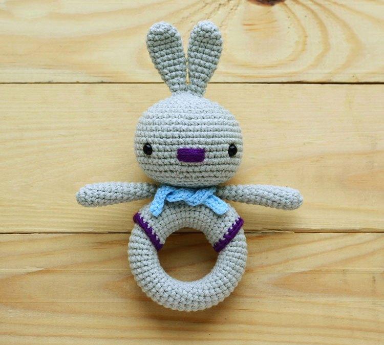 bunny-crochet-toy-rattle-pattern