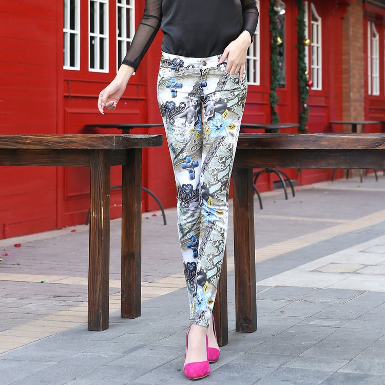 Spring & Summer Korean Fashion Personality Flower Human Printed All Cotton Denim Jeans Women Long Trousers Pencil Pants J30036(China (Mainland))