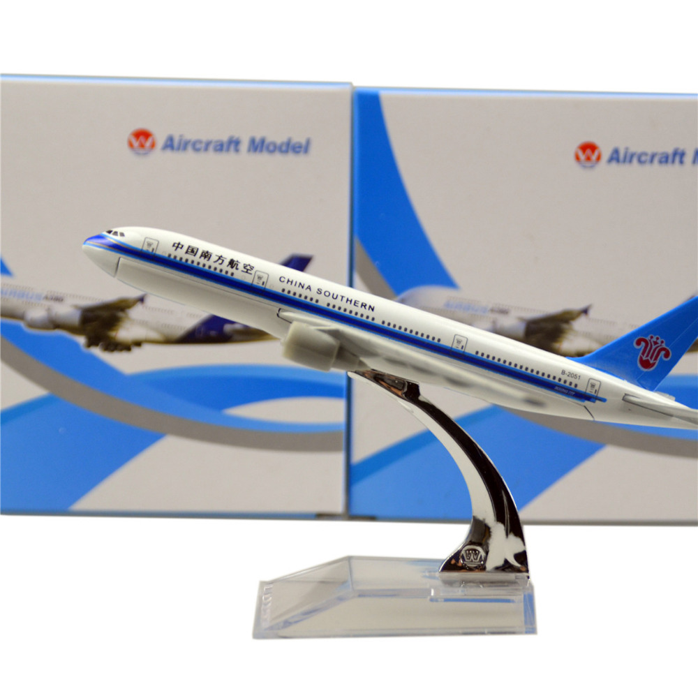 China Southern Airlines Boeing 777 16cm model airplane kits child Birthday gift plane models toys Christmas gift(China (Mainland))