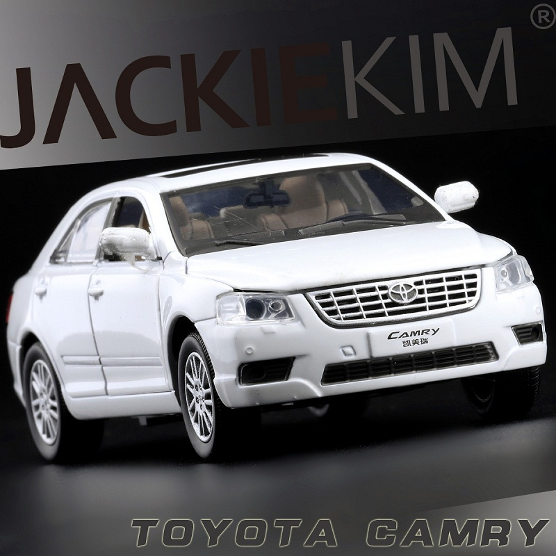 High Simulation Exquisite Collection Toys: Shenghui Car Styling TOYOTA CAMRY Model 1:32 Alloy Car Model Fast&Fruious(China (Mainland))