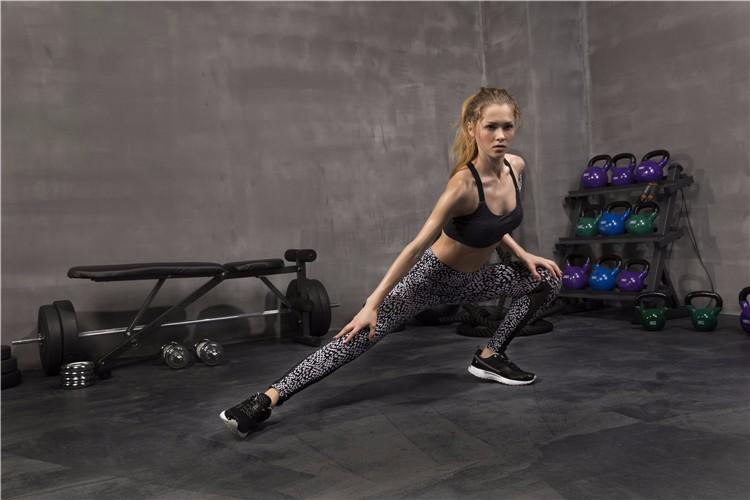 tight skinny yoga pants women 09