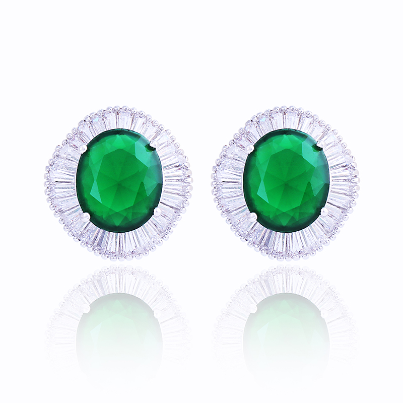 Fashion Green Synthetic Emerald Crystal Stud Earring for Women Platinum Plated Zirconia Cluster Square Halo Stud Earrings(China (Mainland))