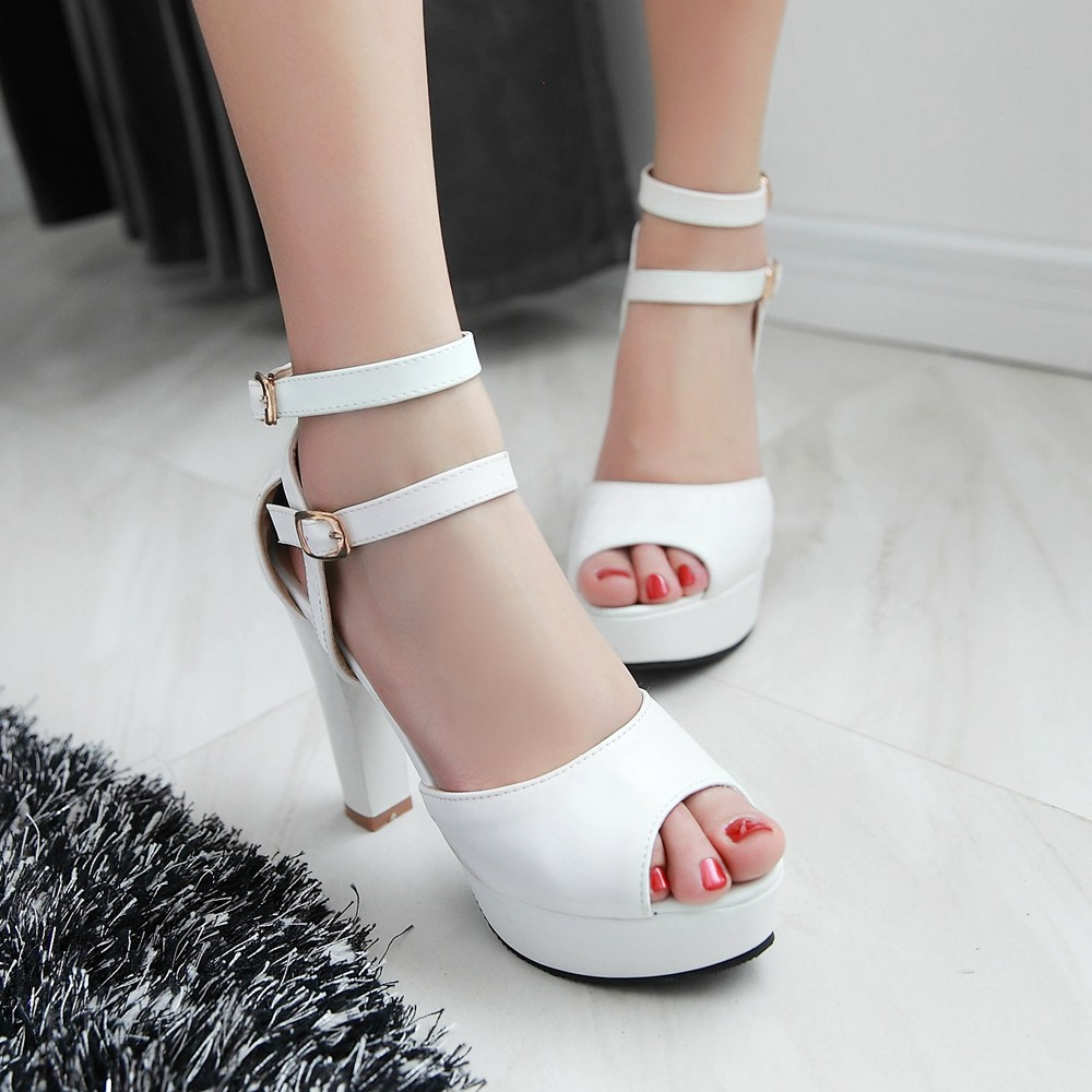 2016 new summer fashion bag with the fish head hollow thick high-heeled women's sandals buckle elegant and sexy(China (Mainland))