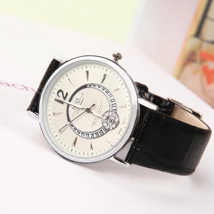 New 2015 female leisure quartz watch calendar design unique fashion casual watch look at the women