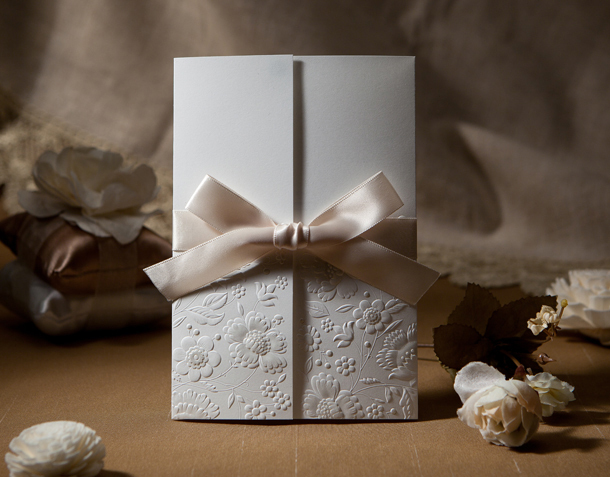 free envelop and free seal 50pcs/set Vintage Embossed Tri-fold Wedding Invitation With Ribbon Bow W1113(China (Mainland))