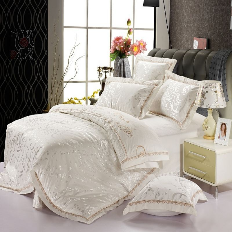 Luxury White Jacquard Silk bedding sets king queen 4pcs Satin comforter/duvet cover bed sheet/bedlinen/bedclothes set(China (Mainland))