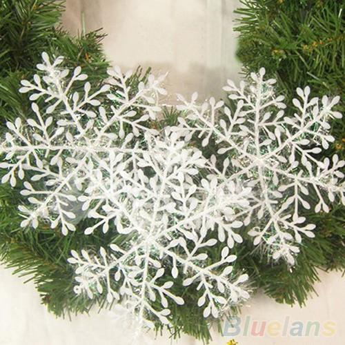 Снежинка белая. Упаковка 30 шт. Для праздника. фото