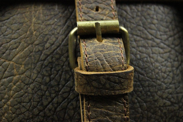 БЕСПЛАТНАЯ ДОСТАВКА 2015 мужская 100% ручная работа винтаж сумка crazy horse кожа натуральная кожа старинные сумки на ремне для мужчин