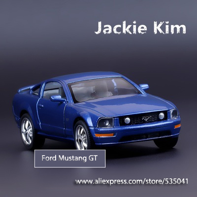 Free shipping ZhiGuan 2006 Mustang GT Pull Back alloy Car Model Toy(China (Mainland))