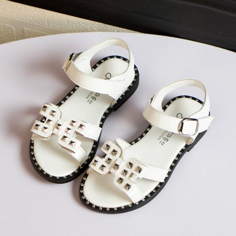 2016 summer new fashion shoes and sandals Girls sandals Girls Princess rivet casual sandals kids sandals children sandals 27-31<br><br>Aliexpress