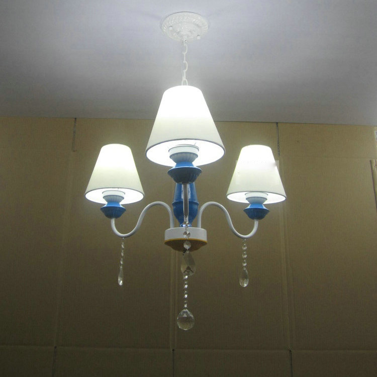 Modern 24 European White Fabric Lampshade 3 Lights Bedroom Chandeliers Paintd Iron Body Clear Crystal Restaurant Chandeliers<br><br>Aliexpress