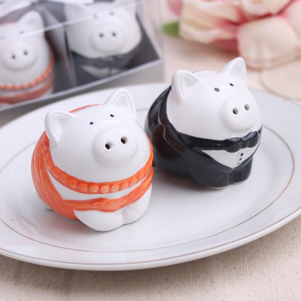New Wedding Favor Ideas 2015 : 2015 new wedding favor ceramic pig salt and pepper shaker for wedding ...