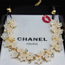 2014 New arrive Korean Leather Chain and Crystal Flower Pendant Statement Collar Necklace For Women JJ237